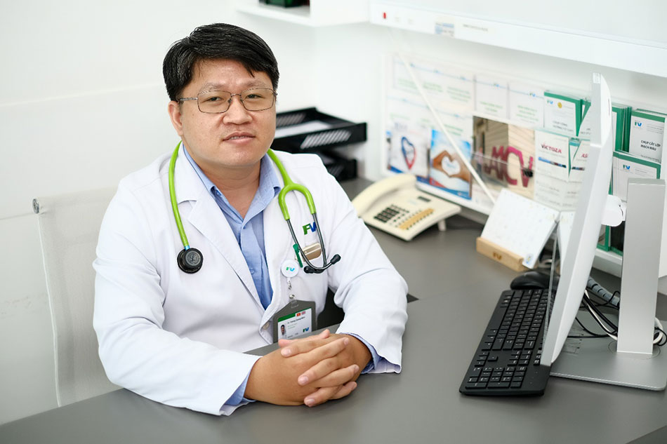 Dr Hoang Quang Minh has more than 10 years of experience treating cardiac arrhythmias with electrophysiological methods, ablation and pacing