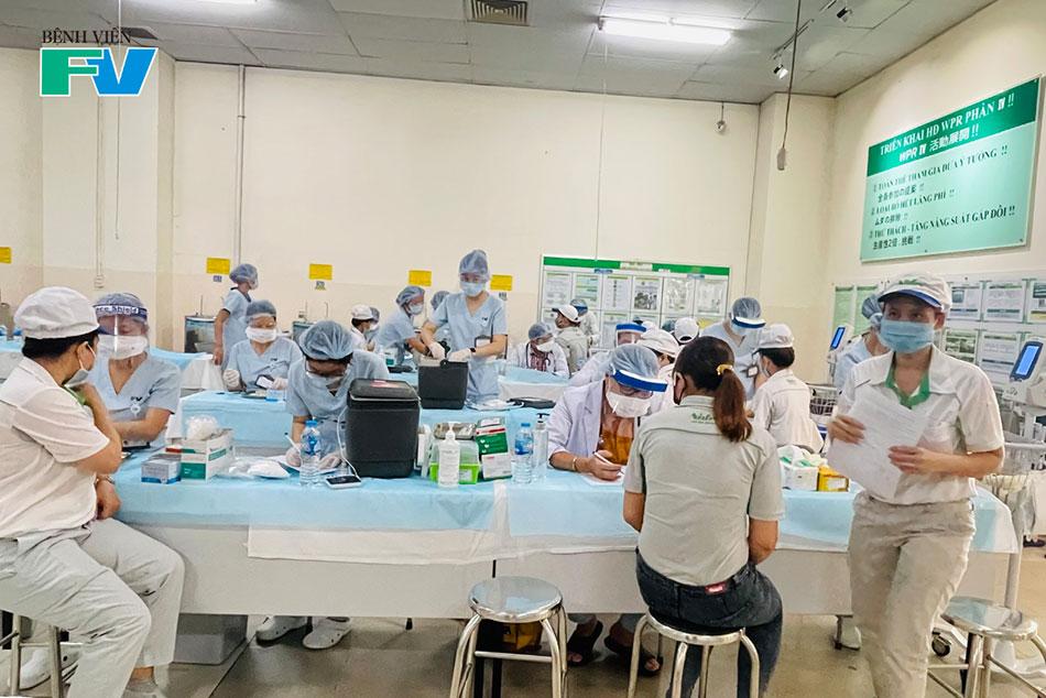 Nhân viên Nidec Sankyo tham gia buổi tiêm chủng đầu tiên với 1000 mũi tiêm